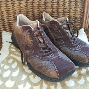 Kenneth Cole Reaction sz 11 brown lace ups